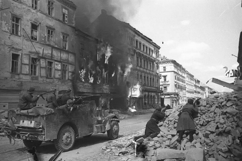 Бой на территории Вены в апреле 1945 года.